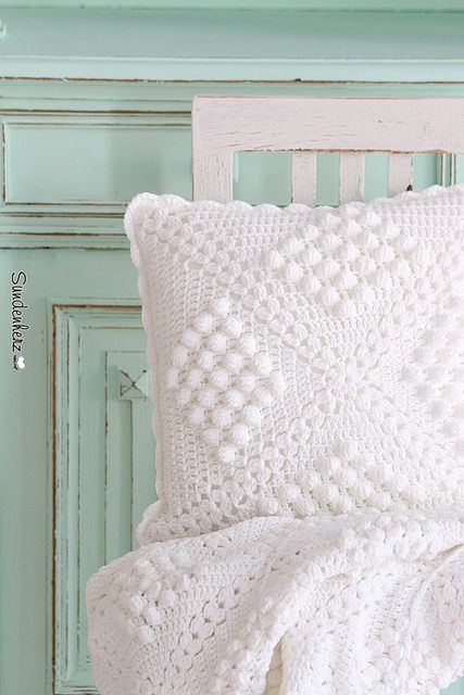 Crochet pillow | www.suendenherz.de/