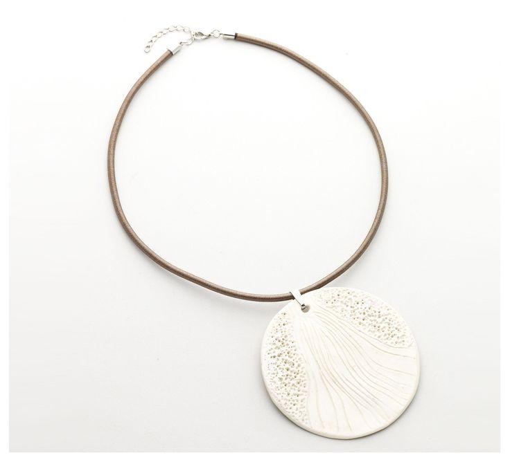 White Sun necklace - Light and elegant, this ceramic jewel is a true work of art/Monile Bianco Sole -Leggero ed elegante, questo gioiello in ceramica è una vera e propria opera d'arte