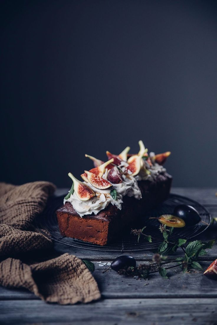 https://ourfoodstories.com/2017/10/gluten-free-carrot-fig-cake-with-cream-cheese-frosting.html/