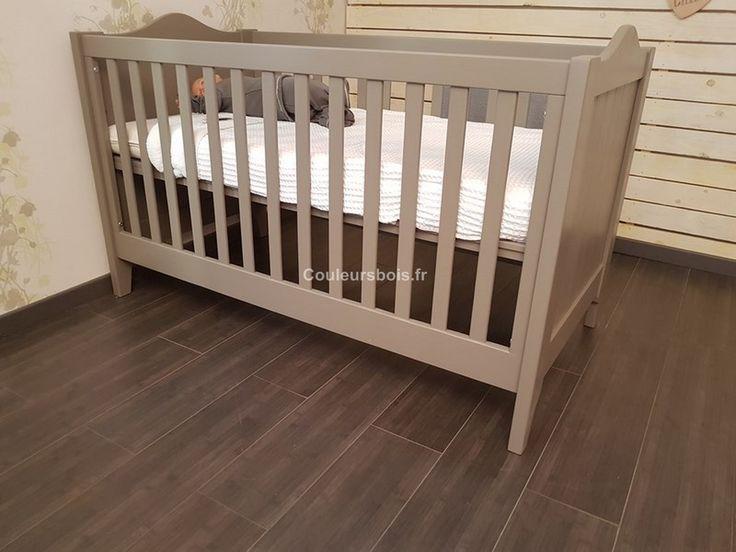 Le lit bébé évolutif lisb mathy by bols est en bois massif non traité issu de