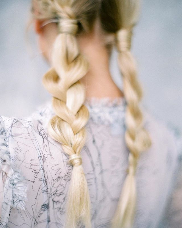 I hope that braids from this picture could be a little inspiration for you. How do you like this idea for wedding hair style? . . . . . Workshop @tamaragigola  Organization: @bazhanstudio  Mua&hair: @evgeniabarbelya  Video: @takprostostudio  Stylist: @siviliya_sotskaya  Polygraphy : @vmeste_calligraphy  Special guest: @margomiracle . . #destinationfilmweddingphotographer #lakecomo #luxurystyle #lakecomoweddingplanners #destinationwedding #ishotfilm #lakecomowedding #contax645…