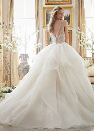 Gorgeous Tulle V-neck Neckline Ball Gown Wedding Dresses With Beaded Embroidery