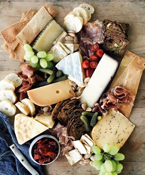 We're inspired by your cheeseboard skills too! This masterpiece is from Elyn Marie over on Instagram IG:marienne.elyn