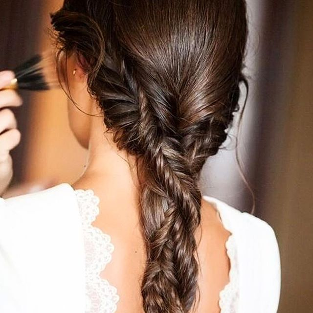 Looking for a relaxed hairstyle for your wedding!? Fishtail braids are fresh, classic and always modern. #braids #bridehairstyle #hairstyle #bohowedding #soniaroselli /image: it's vogue
