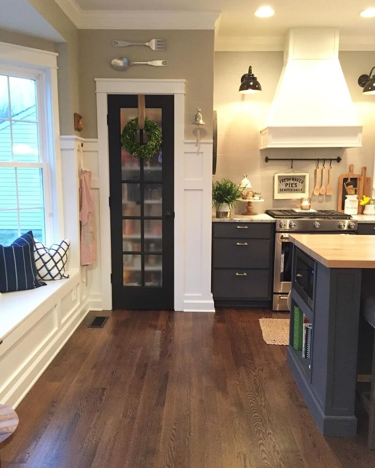 I Like These Cabinet Door Pantry Etc Colors For The