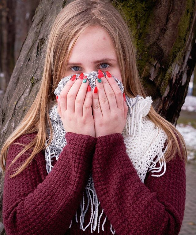 #autohash #Orăștie #Romania #JudețulHunedoara #people #cold #winter #young #portrait #scarf #girl #wool #fashion #style #stylish #photooftheday #instagood #instafashion #beautiful #cute #pretty #warmly #sweater #canonphotos #orastie  #colors #photographylife #photo