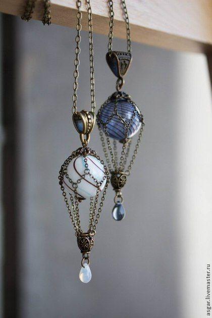 Lampwork necklace / Кулоны, подвески ручной работы. Заказать Миниатюрный воздушный шарик. Разные цвета.. Steamwatch. Ярмарка Мастеров. Лунный камень