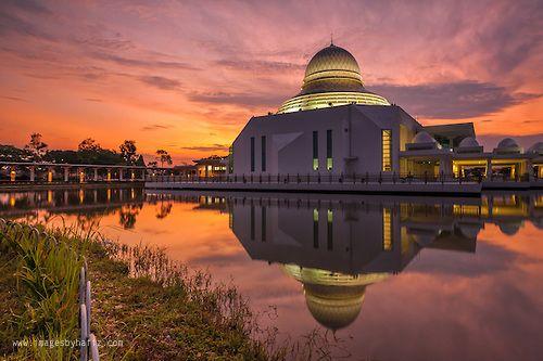 Sunrise at Masjid An Nur University Technology Petronas