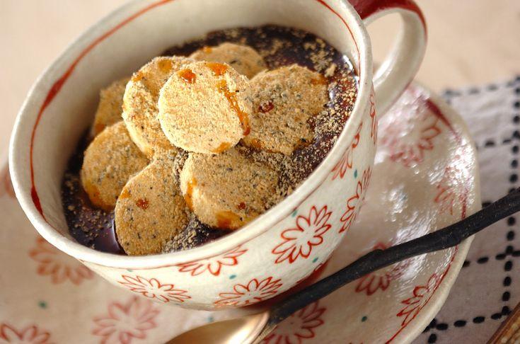 すり黒ゴマときな粉を混ぜ合わせてバナナとからめた、朝食にも良いデザートです。黒ゴマきな粉バナナヨーグルト[和菓子/和菓子その他]2012.01.16公開のレシピです。