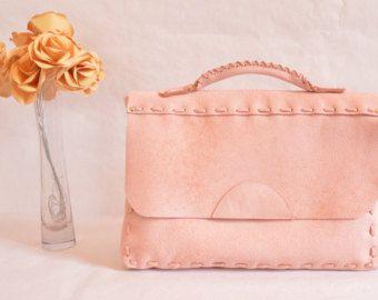 Pochette en cuir rose / Mallette / Serviette par EstherKrier