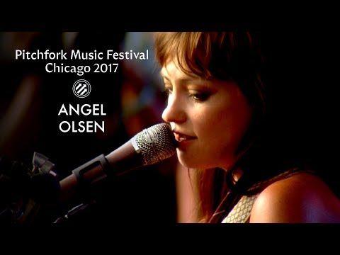 Angel Olsen   Pitchfork Music Festival 2017   Full Set - YouTube