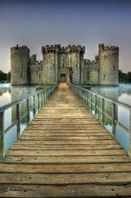 Stunning Picz: Bodiam Castle - East Sussex, England