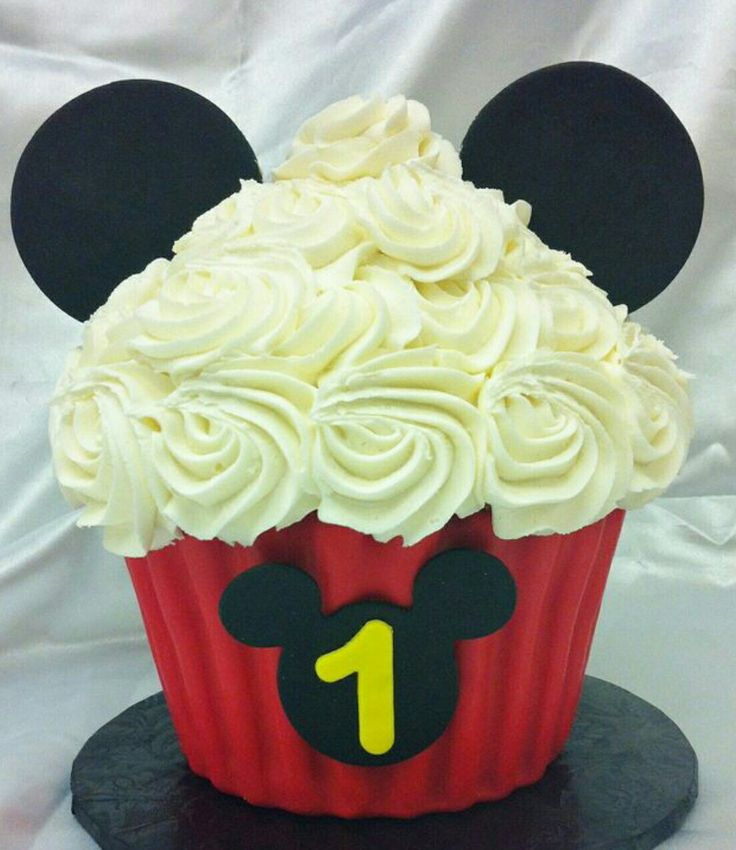 Mickey Mouse Giant Cupcake Cake Mickey Mouse Cupcakes