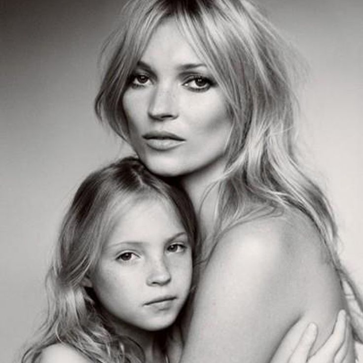 Kate Moss and her daughter Lila Grace, shot by Mario Testino, 2011.