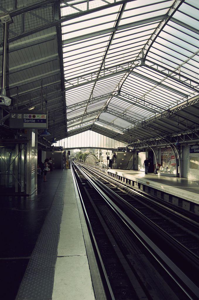 Resultat De Recherche D Images Pour Photo Du Metro La Motte Picquet Grenelle Metro Bus Transports