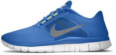 """Las nuevas Nike Free Run+ 3 equipan una suela """"5.0″ o lo que es lo mismo, una suela a medio camino entre una zapatilla convencional (10.0) y una completamente plana (0.0). Con 247 gramos, son una buena opción si queremos cambiar nuestra forma de correr pero estamos algo temerosos de comenzar con una zapatilla excesivamente plana y sin amortiguación. Se pueden utilizar sin calcetines y para ser Nike no están nada mal para corredores hasta 75 kgs y distancias hasta 20 kms (corriendo sin…"""