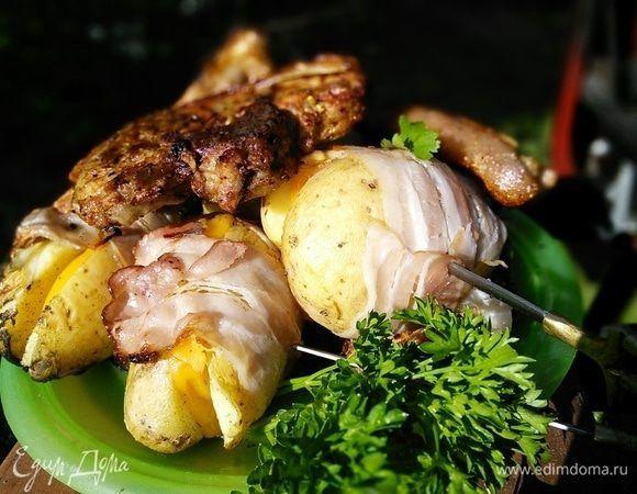 Картофель в беконе. Ингредиенты: картофель вареный, сыр, соль