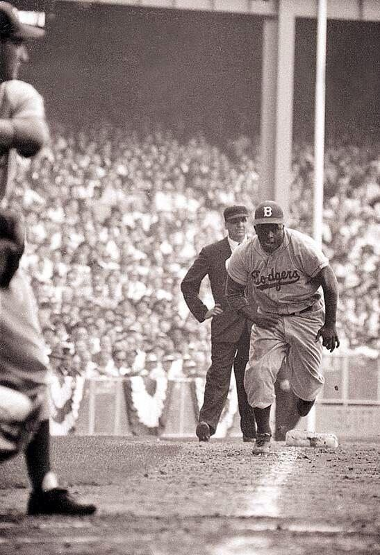 Jackie Robinson on his way to steal home. G1 WS '55 - Imgur