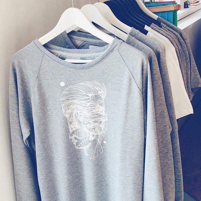 Gespot in het Modekwartier: naast vintage ook deze gave grafische truien! #graphicplayground #fdfa #modekwartier #arnhem #fashion #graphicdesign #mode