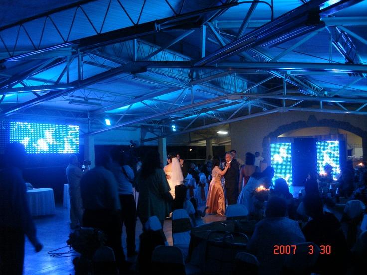 iluminacion arquitectonica, audio , dj , foto, pista de baile, pantallas de leds