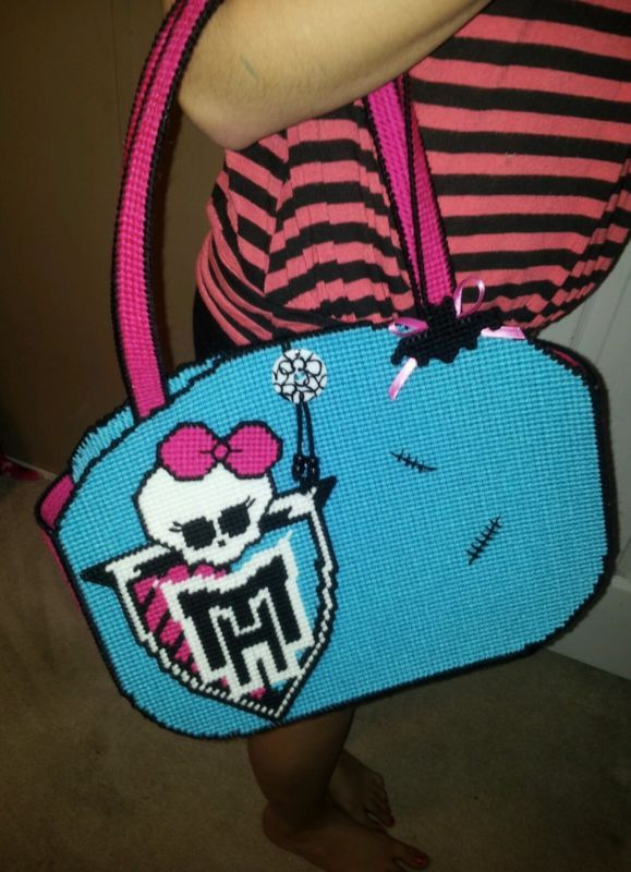 """Monster High"""" Tote in Plastic Canvas 