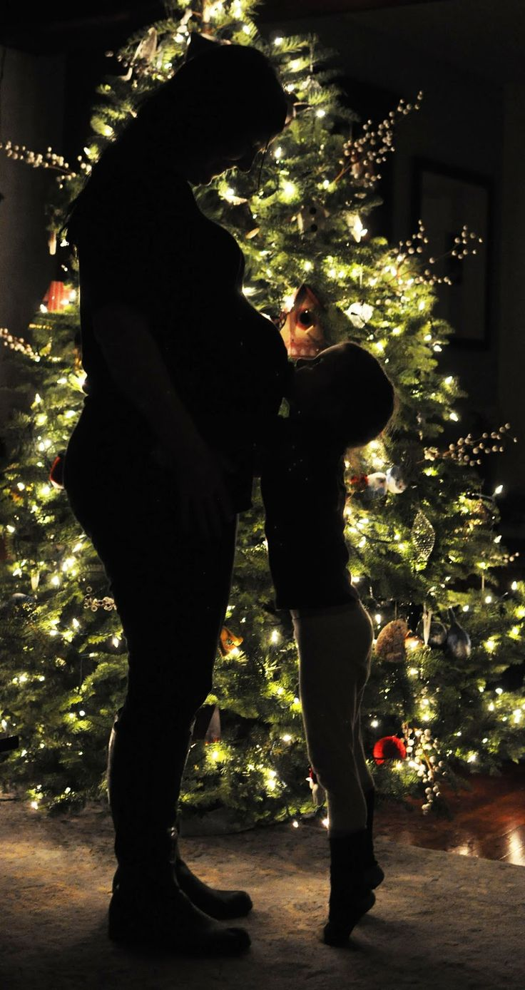 Silhouette Christmas tree family photo
