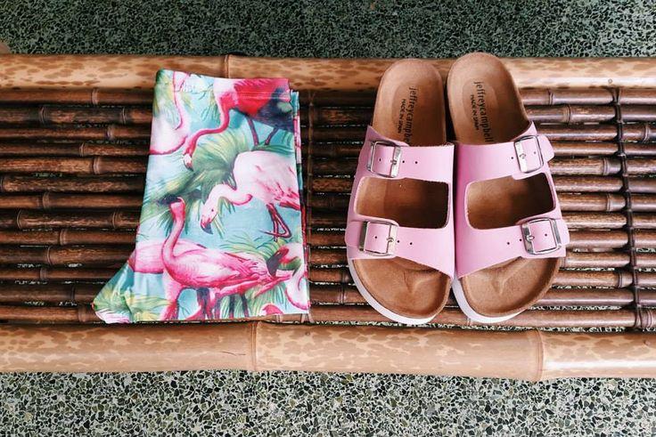 Pink flamingos   Antonella Boutique #Pcp #leggings #Sandals #JeffreyCambell #Pink #Summer #flamingos #AntonellaBoutique