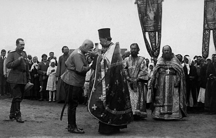 Commander of the Armed Forces of the South of Russia, General A. Denikin, at a solemn prayer service on the occasion of the liberation of the Don from the troops of the Red Army. Civil war in Russia.