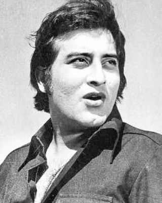 Probably the first Macho Man of Bollywood Vinod Khanna defined sheer machismo chocolate looks and also was loved utterly even in anti-hero roles! After deciding that he will skip the family-business and will enter Bollywood the handsome actor made his debut in Man Ka Meet (1968) The tall and hunky anti-hero with a superb physique was loaded with modelling assignments in his prime! Displaying sturdiness in all his roles whether as a policeman or a college professor Vinod Khanna kept winning…