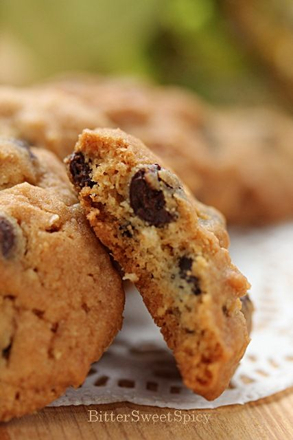 BitterSweetSpicy: Almost Famous Amos Chocolate Chip Cookies