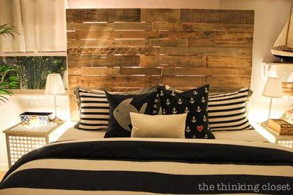 16---The-Thinking-Closet---DIY-Pallet-Headboard