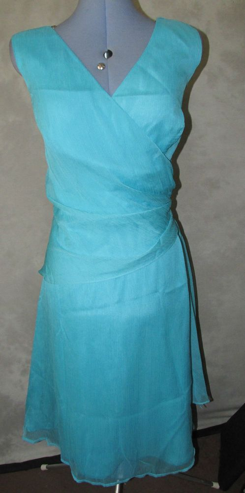 Ladies Formal size 18 Dress Calf Length v neck x over style bodice Make isTeatro