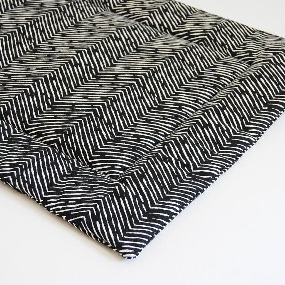 Dog Bed Black Herringbone Chevron Washable Portable Dog Crate Mat Pad Modern Dog Travel Bed