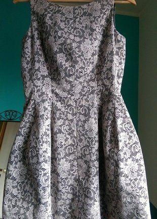 Kup mój przedmiot na #vintedpl http://www.vinted.pl/damska-odziez/krotkie-sukienki/17289341-czarno-biala-koronkowa-sukienka-koktajlowa-z-podszewka