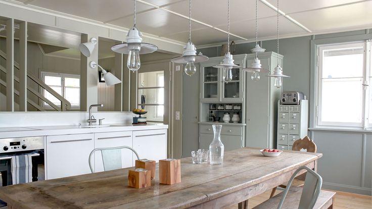 Umbau Ferienhaus in Wildhaus: offene Küche im Erdgeschoss