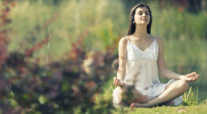 「UPLIFT」で、ライターのJacob Devaney氏がヨガをすることはカラダの痛みを和らげるという記事を書いています。氏曰く、ヨガや瞑想など精神...