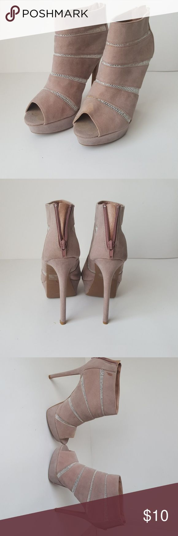 10 Dollar Charlotte Russe High Heels They high heels are very cute for both something casual and fancy. They lace in between the shoe are not bothersome when you wear it and they stand out at night. The insides do have padding. There are a few stains on them. The texture is a faux suede material and it goes around the whole shoe. Room for bargaining. Charlotte Russe Shoes Heeled Boots