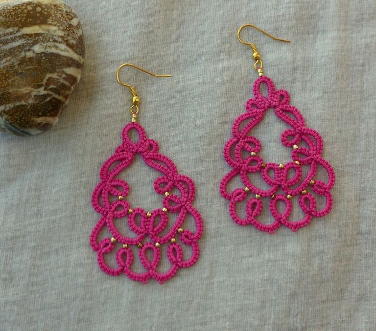 Rose tatted lace earrings , tatting lace , handmade , statement jewelry , tatted jewelry , frivolite , lace jewelry http://etsy.me/2AN8SDy