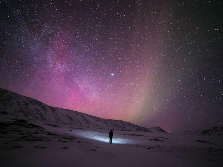 Tiina Törmänen: Breathtaking Self-Portraits Under Finland's Northern Lights