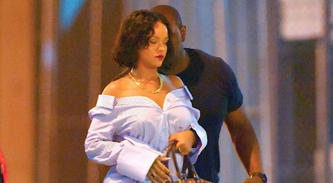 Singer Rihanna hits fat-shamers mocking her extra weight