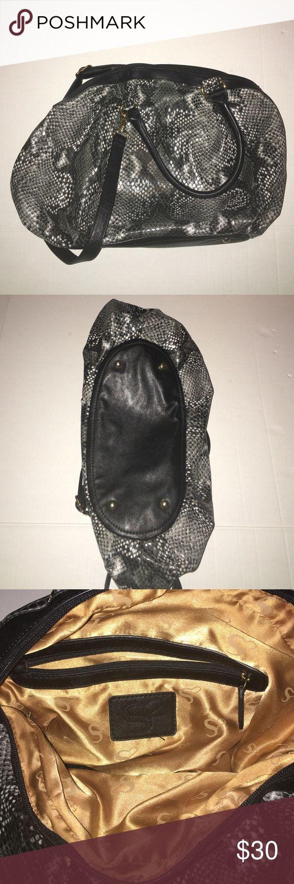 1 DAY SALE ⭐️⭐️ Snakeskin Serena Williams handbag Large Serena Williams purse snakeskin pattern. Shoulder strap included. Serena Williams Bags Shoulder Bags