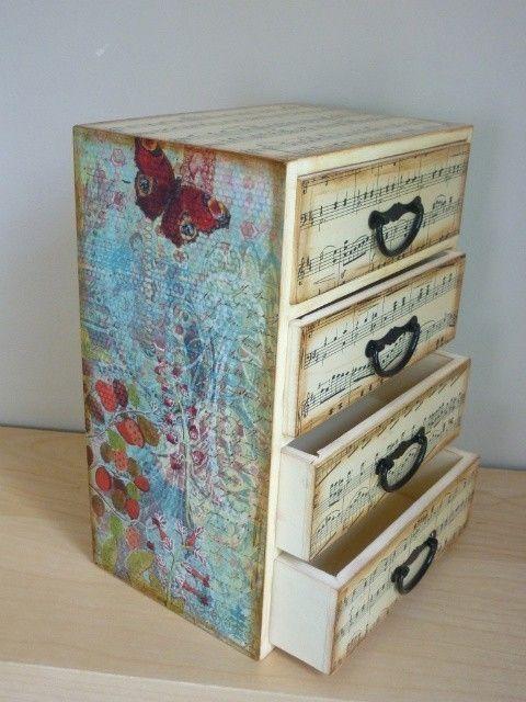 I love this jewelry box!!