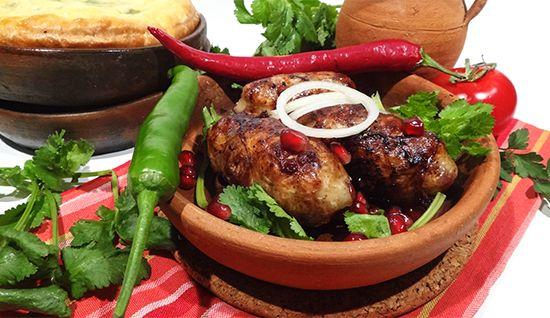 Абхазура. Грузинская кухня рецепты. Georgian Fried Spicy Meatballs – Apkhazura. Мясо рубленое со специями и гранатом в жировой сетке