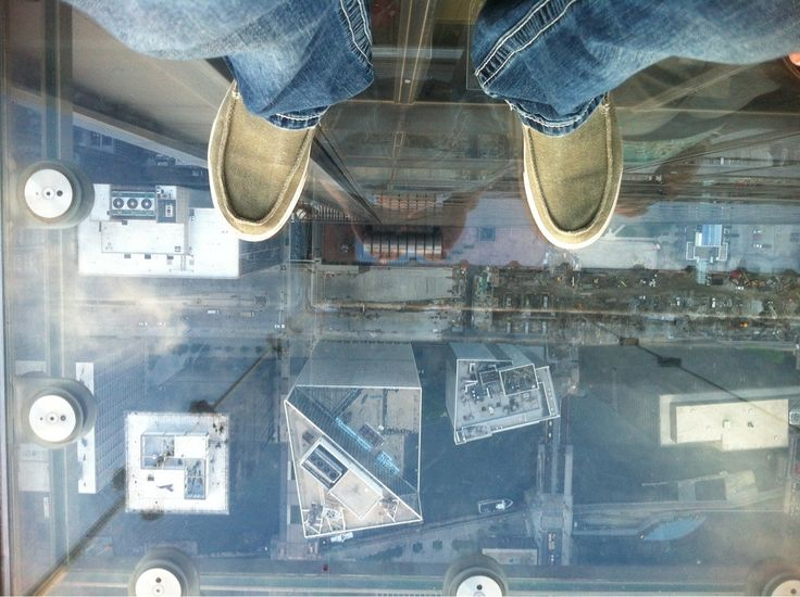 17 best images about worlds scariest elevators on for 103 floor skyscraper the sears tower in chicago