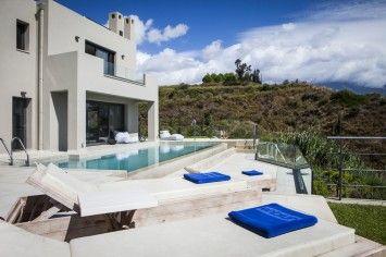 Stylish, elegant, chic, designer and minimalist…. are just some of the superlatives that describe the stunning villa Christina.