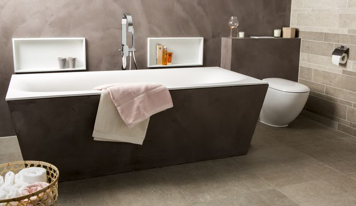 Het bad is gemaakt van Solid Surface. Naast de matte en luxe uitstraling zijn de voordelen erg fijn: hygiënisch, onderhoudsvriendelijk en slijtvast.