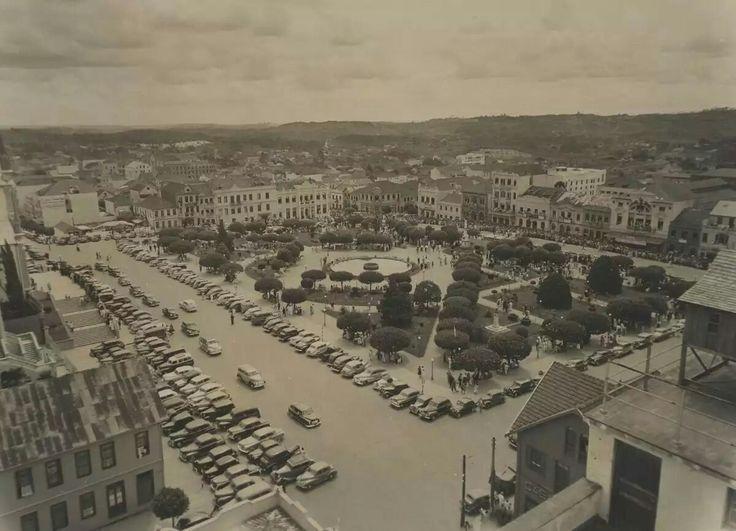 Praça Dante Alighieri em 1950 (Antiga Praça Rui Barbosa). Vista pelo terraço da fábrica Eberle.