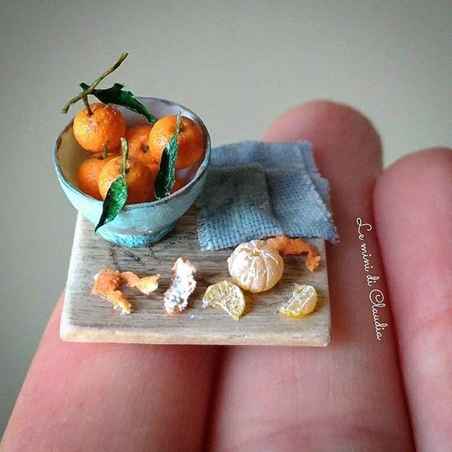 Tangerines 1 inch scale #dollshouseminiatures #leminidiclaudia#dollhouseminiature #lovelylittleminiatures #miniaturefood #tangerine