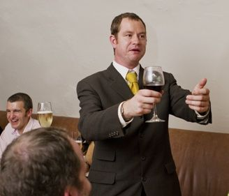 How to make a great best mans wedding speech...if you are, or someone you know is, due to give a best mans speech at a wedding this season, here are some very handy tips on how to do it well - and without a fuss. Read on!