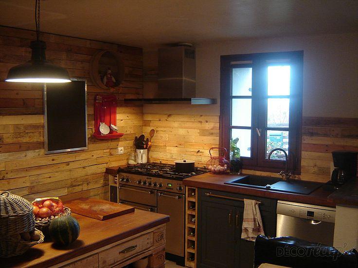 cr dence de cuisine en palettes id es pour la maison pinterest cuisine en palette. Black Bedroom Furniture Sets. Home Design Ideas